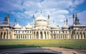 unwind with free lunchtime yoga at royal pavilion gardens